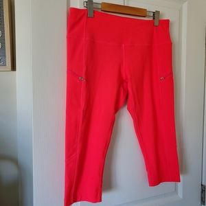 🌵MPG Hot Coral/Pink Atheletic Capris Size Large